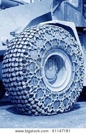 Wheels With Anti Skid Chain