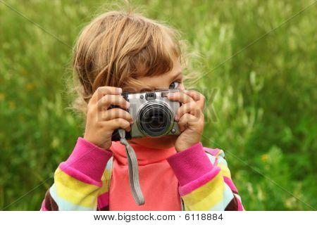 Little Girl  Photographs Outdoor