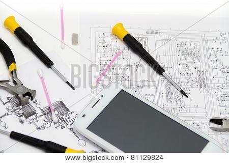Technical Operator And Repair Smartphone
