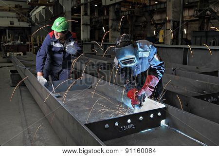Process Gas Welding At Plant For Production Of Bridge Structures.