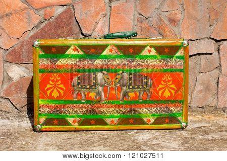 Bright Colored Retro Suitcases For Travel