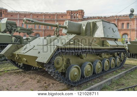 76-mm Self-propelled Gun Su-76M (1943). Weight, Kg: Installation-10500, Projectile-6.5