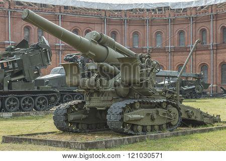 B-4-203-mm Howitzer (1931). Weight, Kg: Guns - 17700, Shell - 100