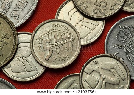 Coins of Spain. Traditional Asturian granary called horreo depicted in the Spanish five peseta coin (1995).