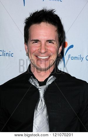 LOS ANGELES - MAR 7:  Hal Sparks at the Silver Circle Gala 2016 at the Beverly Hilton Hotel on March 7, 2016 in Beverly Hills, CA