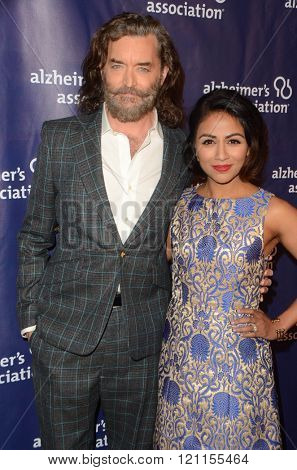 LOS ANGELES - MAR 9:  Timothy Omundson, Karen David at the A Night at Sardis - 2016 Alzheimer's Association Event at the Beverly Hilton Hotel on March 9, 2016 in Beverly Hills, CA