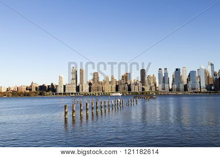 Scenic View Of The New York Manhattan Skyline Seen From Across The Hudson River In Edgewater, New Je
