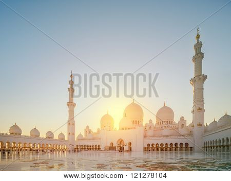 Sheikh Zayed Grand Mosque at day light, Abu-Dhabi