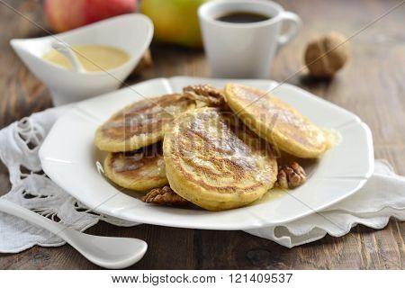 Corn flour pancakes with caramel syrup