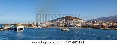 TENERIFE, SPAIN - JULY 15: Panoramic view of the port Colon on july 15, 2014 in Tenerife, Spain. Port Colon - the largest marine entertainment center in Tenerife