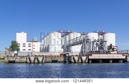 Oil Loading Terminal In Port