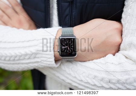 Man Hand And Apple Watch With Tome On The Screen