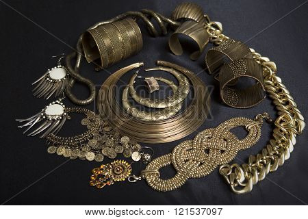 Beautiful Oriental gold jewelry (Indian Arab African Egyptian). Fashion Exotic Accessories Asian Gold jewelry. Tribal Jewelry for belly dance oriental costumes. Necklace Earrings Bracelets