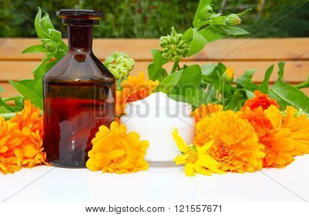 Natural Cosmetics from marigold