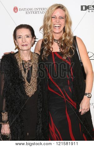 LOS ANGELES - FEB 28:  Margaret O'Brien, Mara Tolene Thorsen at the Style Hollywood Viewing Party 2016 at the Hollywood Museum on February 28, 2016 in Los Angeles, CA