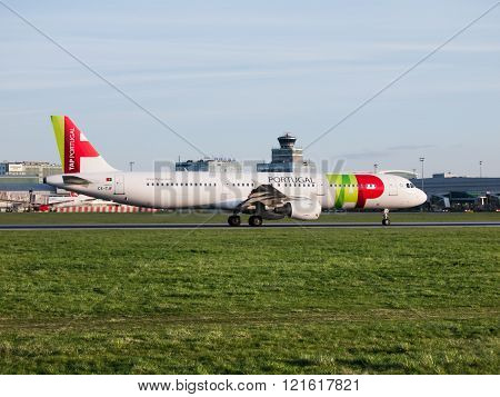 TAP Portugal Airbus A321 takeoff from Prague Airport