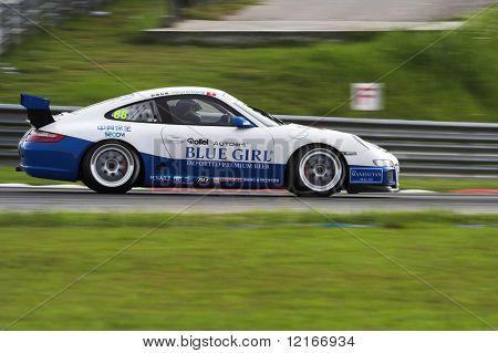 porsche racing machine