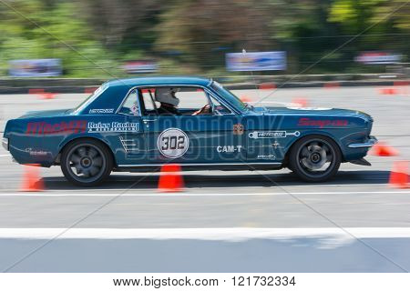 Ford Mustang in autocross
