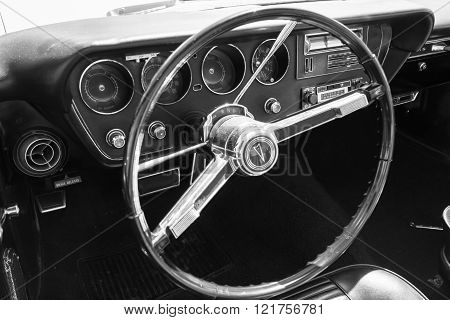 Pontiac Dashboard On Detail
