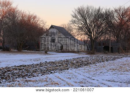 Rural Barns in America's heartland that are disappearing from our landscape