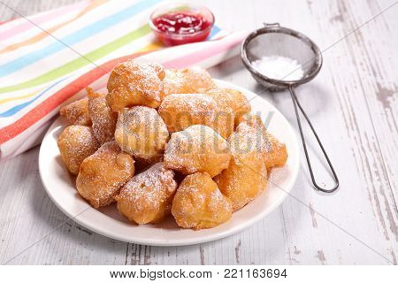 french donut, pet de none