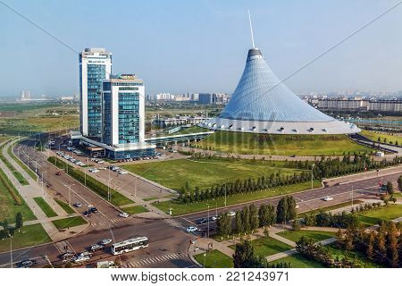 Khan Shatyr (khan's tent) - a large shopping and entertainment center in Astana is the largest tent in the world.