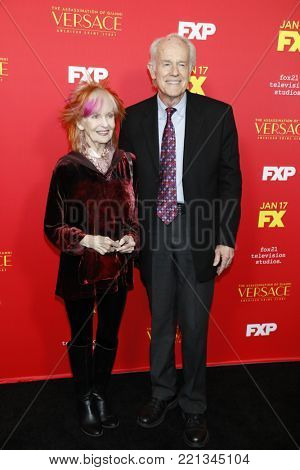 LOS ANGELES - JAN 8:  Shelley Fabares, Mike Farrell at the