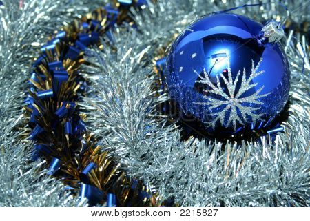 Christmas Glass Sphere With A Pattern 7