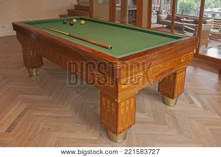 Image of unoque billiards table in house