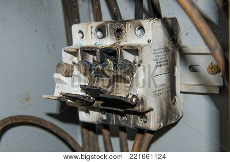 fuse high power voltage electronic box burn fire