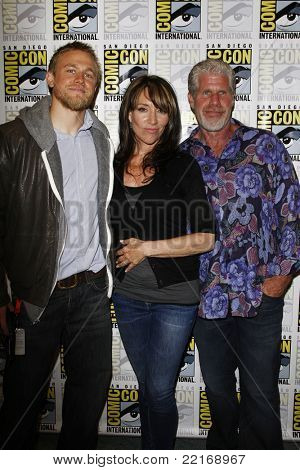 SAN DIEGO, CA - JULY 24: Charlie Hunnam; Katey Sagal; Ron Perlman at the 'Sons of Anarchy' press line at 2011 Comic-Con International on July 24, 2011 in San Diego, California.