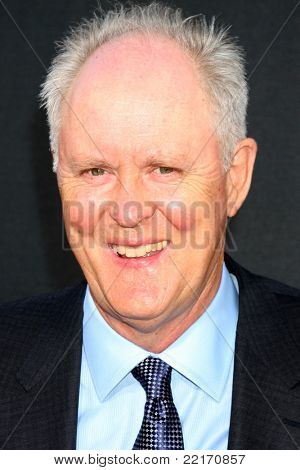 LOS ANGELES - JUL 28:  John Lithgow arriving at the