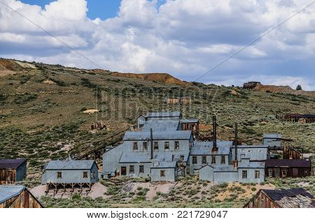 Ruined Stamp Mill in the Californian Ghost Town of Bodie. Bodie is one of the best preserved Ghost Towns in America and was founded during the Californian Gold Rush. It was inhabited until the 1970s.