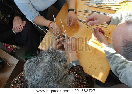 Hamd's of elderly people during occupational therapy