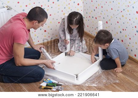 Family Furniture Assembly, Table