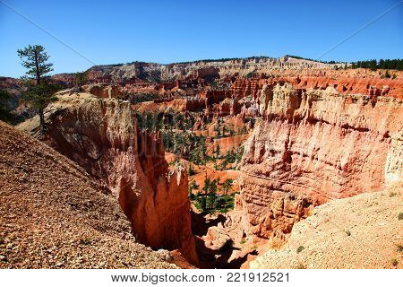 View of the stunning hoodoo filled landscape from Navajo Trail in Bryce Canyon National Park