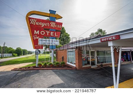 LEBANON, MISSOURI, USA - MAY 11, 2016 : Munger Moss Motel and vintage neon sign on historic Route 66 in Missouri.