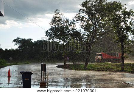 lluvia en posadas sacada desde estacion de servicio