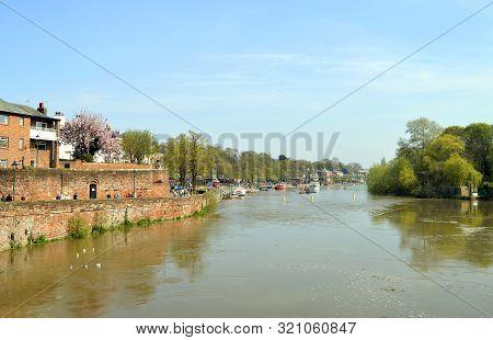 Chester, Cheshire, England, Uk, Europe - April 19, 2019 : Tourists Enjoying The Spring Sunshine On T