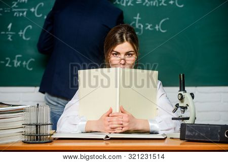 Teaching In University. High School. University Education. Knowledge Transfer. Teacher And Student N