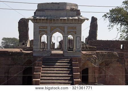 View Of Victory Tower At Ashrafi Mahal Opposite Jami Masjid In Mandu, Madhya Pradesh, India, Asia