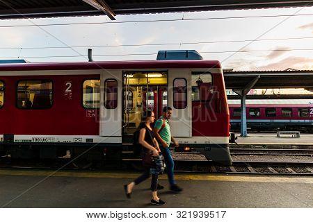 Trains On The Platform Of Bucharest North Railway Station (gara De Nord Bucuresti) In Bucharest, Rom