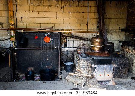 The Still Or Distillation Vessel Is An Installation Used To Distill Liquids. It Consists Of A Distil