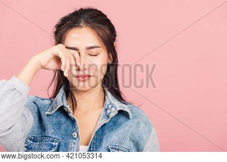 Asian Portrait Beautiful Cute Young Woman Wear Denim Bad Mood Her Cry Wipe Tears With Fingers, Studi