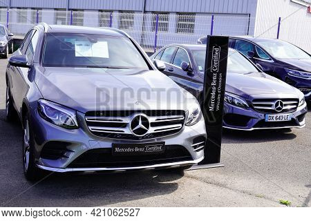 Bordeaux , Aquitaine France - 05 14 2021 : Mercedes Benz Car For Sale Sign Brand Store Dealership Sh