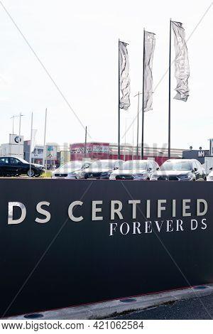Bordeaux , Aquitaine France - 05 14 2021 : Ds Certified Text Brand Store Logo Automobiles Sign Shop
