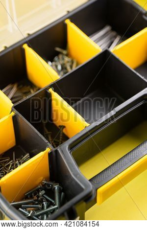 Organizer For Nails, Screws, Nuts.organizer For Nails, Screws, Nuts