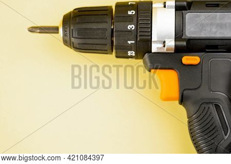 Drill And Screwdriver With Fixed Bit.drill And Screwdriver With Fixed Bit