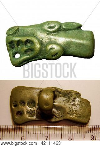 Scythian Animal Style Buckles - Wolf, 5-3 Century Bc Eastern Europe
