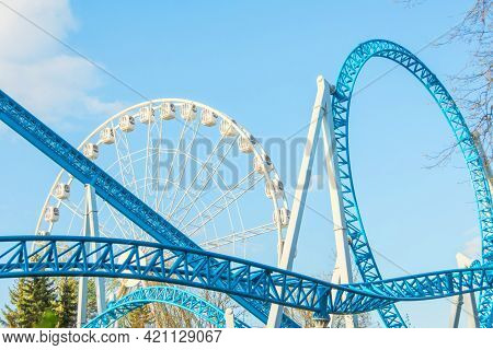 Amusement Park Rides, Ferris Wheel Roller Coaster.
